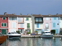 SURROUNDINGS_GRIMAUD_PORT_GRIMAUD
