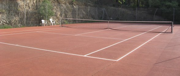 Detail of one of the four tennis courts - Click to enlarge.